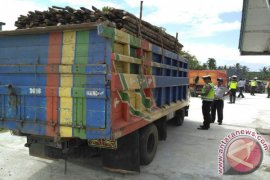 Polres Mempawah Jaring 1.000 Pengendara Truk