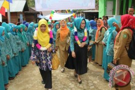 Tim Evaluasi Kunjungi Desa Aek Mata