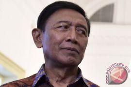Wiranto enggan tanggapi perseteruan Luhut-Amien Rais