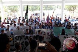 Pemprov Kepulauan Babel datangi Kemendagri - DPR sampaikan tujuh tuntutan