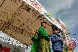 Pasangan Fasha-Maulana Deklarasikan Maju Pilwako Jambi 2018