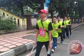 "Ratusan Tunanetra Menjelajah  Bandung Lewat ""Rally Tongkat"""