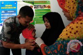 Dinkes Banjarbaru berikan vaksin difteri ke sekolah