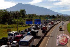 Warga menuju Puncak-Cianjur diimbau gunakan jalur alternatif