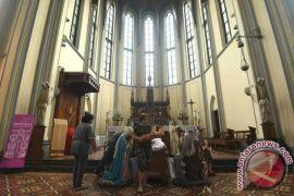 Kemarin, misa Natal di Katedral hingga 1.000 hunian untuk pengungsi Rohingya