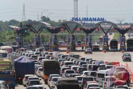 Jalan Tol Jakarta-Cikampek macet parah