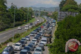 25.000 kendaraan masuk Bandung via gerbang Pasteur