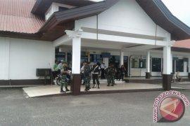 TNI - Polri dilibatkan dalam pengamanan Bandara Pangsuma