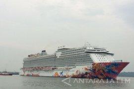 1.700 Wisatawan Turun di Tanjung Perak Surabaya