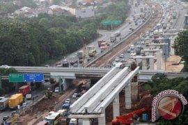 Jalan Tol Cikampek ke Jakarta padat