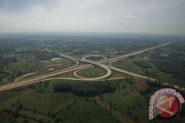 Diresmikan Jokowi, dua ruas tol Trans Sumatera beroperasi