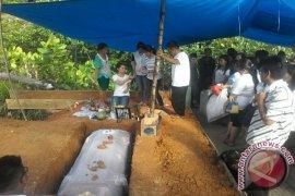 Feronika dikebumikan di  Sibolga