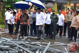 Gubernur Jabar Tinjau Lokasi Gempa