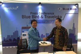 Blue Bird - Traveloka kerja sama untuk permudah transportasi bandara