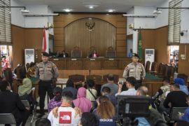 KPK boleh tetapkan tersangka di awal penyidikan, kata ahli pidana