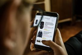 Orang Indonesia lebih suka belanja lewat ponsel