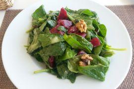 Dua porsi salad untuk otak lebih muda 11 tahun