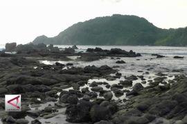 Laguna Menjadi Magnet Pantai Wediombo