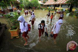 jalan nasional masih terendam banjir di Aceh Utara