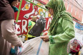 Dinas Lingkungan Hidup Cianjur wajibkan pegawai bawa sampah ke kantor