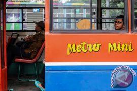 Mesin tapping OK-OTrip mulai dipasang dalam bus Jakarta