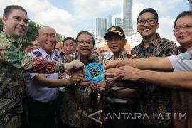 """""""Go-Car"""" Bantu Angkot Surabaya Tingkatkan Layanan"""