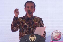 Presiden Jokowi blusukan di Mal Palembang