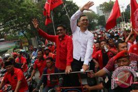 Djarot Saiful datangi buruh berunjuk rasa