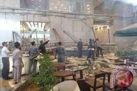 Puslabfor sita sampel beton Gedung BEI