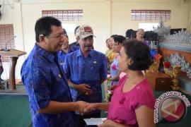 Tekan Angka Kemiskinan, Buleleng Salurkan Ribuan PKH Di Banjar