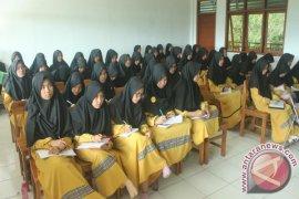 Santri Ponpes Al-Umanaa Sukabumi mendapatkan pelatihan jurnalistik