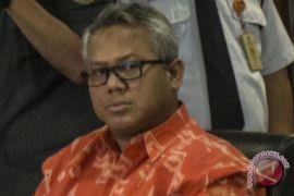 Anggota KPU Garut tersangka gratifikasi diberhentikan sementara
