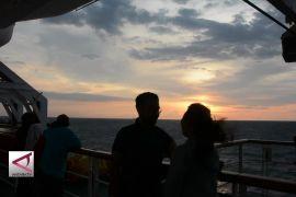 Menikmati Pergantian Tahun di Tengah Laut