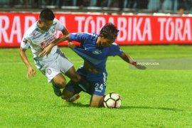 Arema FC kalah 0-2 dari PSIS