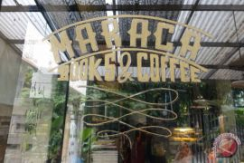 Tempat pencinta kopi dan buku di Kota Hujan
