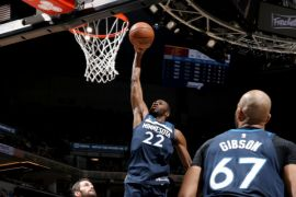 Timberwolves batasi ruang gerak LeBron James demi pecundangi Cavaliers