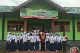 Fahri Hamzah: metode pendidikan sekolah di Indonesia harus sama
