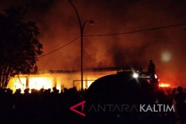 Ratusan Kios Pasar Induk Senaken Paser Terbakar