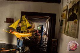 Kemarin, koleksi yang terbakar di Museum Bahari hingga Dolores meninggal