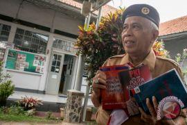 "Pengacara OC Kaligis luncurkan buku ""KPK Bukan Malaikat"" di penjara"