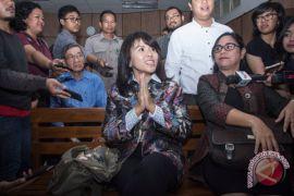 Kemarin, sidang cerai Ahok hingga pelawak Indonesia ditahan di Hongkong
