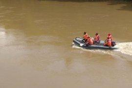 Tim SAR Lanjutkan Pencarian Korban Hanyut di Jember