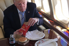 Donald Trump kadang 'ngetwit' dari tempat tidur