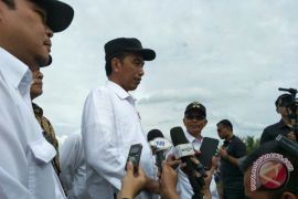 Presiden tinjau program padat karya tunai di Banyuasin