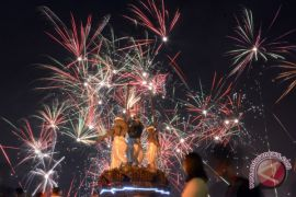 Kembang Api Tahun Baru Di Denpasar