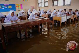 Sekolah Tergenang Banjir
