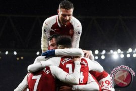 Aubameyang-Mkhitaryan bersinar saat Arsenal terkam Everton 5-1