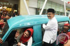 Gus Ipul jenguk korban hilang banjir Jombang