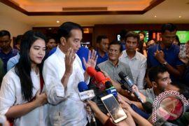 "Kesan dan pesan Jokowi untuk ""Dilan 1990"" yang ditontonnya hari ini"