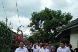 Wagubsu monitoring hasil bedah rumah di Tapsel